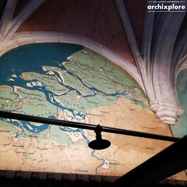Handelsbeurs Antwerpen door architect Schadde - wereldkaarten met Antwerpen als centrum