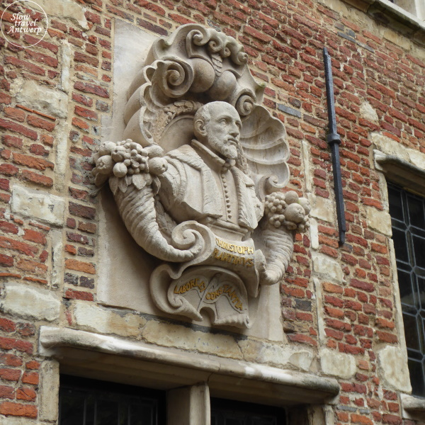 Museum Plantin-Moretus Antwerpen - borstbeeld binnentuin Christoffel Plantin
