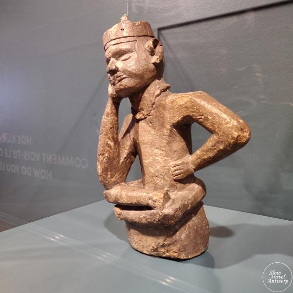 expo 100 x Congo in MAS Antwerpen - grafbeeld van een ntadi, een fumani