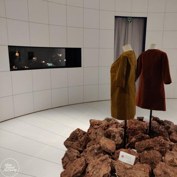 The Jeweller's Art. Revolutionaire juwelen uit de jaren 1960 & 1970 - DIVA Antwerpen - vierde zaal jaren 70