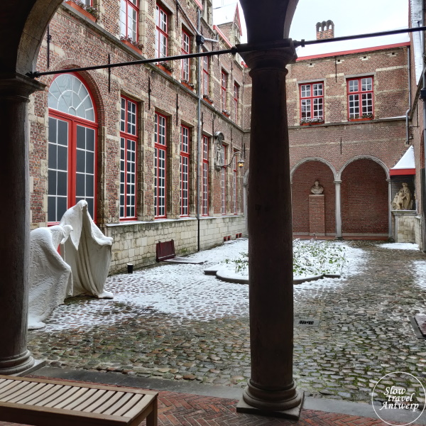 Maagdenhuis museum Antwerpen - binnentuin